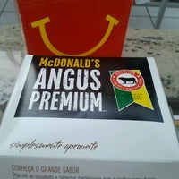 Photo taken at McDonald's by Leonar N. on 8/11/2012