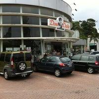 Photo taken at Dona Deôla by Milton L. on 2/20/2012