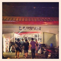 Photo taken at Larsian sa Fuente by Brix S. on 1/22/2013