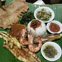 Photo taken at Ole-Ole Bali by Mei K. on 4/26/2013