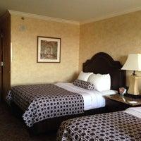 Photo taken at Crowne Plaza Anaheim Resort by Linda L. on 10/3/2013