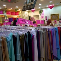Photo taken at Ariani Boutique ( Scarf & Shawl ) by محمد أصلان on 8/4/2013