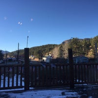 Photo taken at Aspen Peak Cellars Tasting Room by Richard S. on 11/19/2016