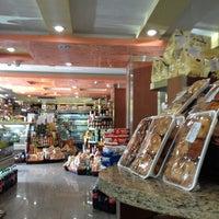 Photo taken at Panadería y Pastelería Villa La Trinidad by Lissette G. on 2/10/2013