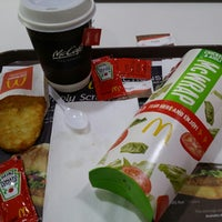 Photo taken at McDonald's by Chen J. on 3/9/2014