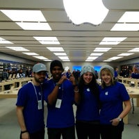 Photo taken at Apple Carrefour Laval by EC Jake L. on 2/16/2013