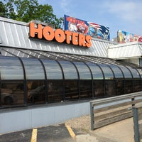 Photo taken at Hooters by Ahmad M. on 5/29/2013