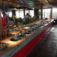 Photo taken at Restaurante Papa Capim by Guilherme M. on 3/25/2013