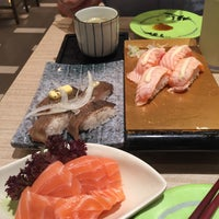 Photo taken at Itacho Sushi 板长寿司 by Andrea S. on 3/24/2016