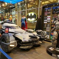 Photo taken at DC Comics Super Heroes by Hesham E. on 9/12/2016
