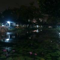 Photo taken at สระน้ำ มหาวิทยาลัยรามคำแหง by Leem B. on 9/7/2013