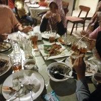Photo taken at Gama Ikan Bakar dan Seafood by Cassie N. on 6/14/2016
