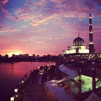 Photo taken at Masjid Putra by Dadoctor A. on 6/8/2013