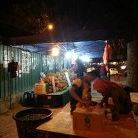 Photo taken at Bazaar Ramadhan Bandar Sri Permaisuri (بازار رمضان بندر سري ڤرماءيسوري) by Soo J. on 8/2/2013