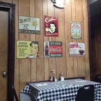 Photo taken at Aunt Rosie's Restaurant by Artem on 5/8/2014