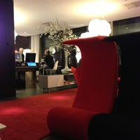 Photo taken at citizenM Glasgow by Al-harith M. on 12/1/2012