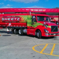 Photo taken at SHEETZ by Jahy T. on 11/6/2012