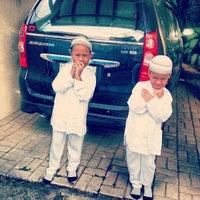 Photo taken at Rumah Cerdas Islami by Inzra B. on 6/4/2013