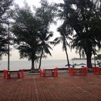 Photo taken at Biển Đông Restaurant by 5 B. on 6/24/2014