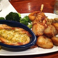 Photo taken at Red Lobster by Iam M. on 11/4/2012
