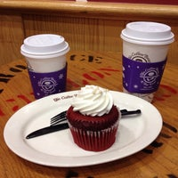 Photo taken at The Coffee Bean & Tea Leaf by Hawaii J. on 11/6/2014