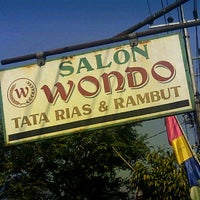 Photo taken at Salon Wondo by Dudung O. on 8/13/2013