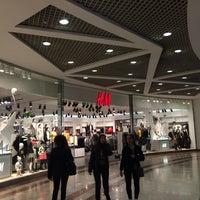 Photo taken at H&M by Klemantina on 12/15/2015