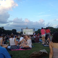 Photo taken at Screen on the Green by Annie G. on 7/21/2015
