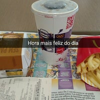 Photo taken at McDonald's by Willyanne D. on 4/2/2015