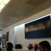 Photo taken at Oficinas Corporativas Aeroméxico by Daniel on 1/6/2016