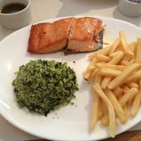 Photo taken at Filet & Folhas by Tatiana C. on 11/7/2012