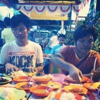 Photo taken at Pondok Zam-Zam by Fuja B. on 8/15/2014