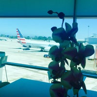 Photo taken at American Airlines Admirals Club by Leif E. P. on 7/19/2016
