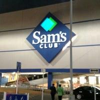 Photo taken at Sam's Club by Arturinho C. on 8/10/2015