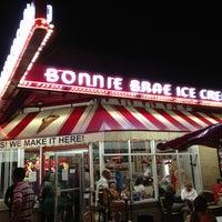 Photo taken at Bonnie Brae Ice Cream by Garland T. on 7/6/2013