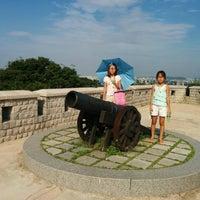 Photo taken at 월미공원 by Gustavo K. on 8/9/2014