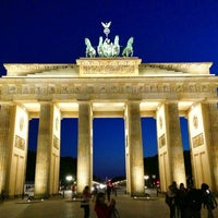 Photo taken at Brandenburg Gate by ☀️ Dagger on 6/6/2013