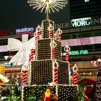 Photo taken at Weihnachtsmarkt an der Gedächtniskirche by ☀️ Dagger on 12/20/2012