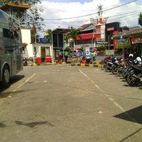 Photo taken at Terminal DAMRI Bandara Soekarno-Hatta by Maz Gede P. on 7/28/2014