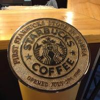 Photo taken at Starbucks by 문 주. on 6/24/2013