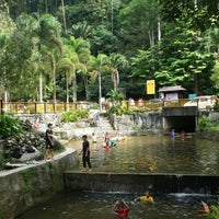 Photo taken at Waterfall, Forest Research Institute of Malaysia by Mai I. on 6/15/2014