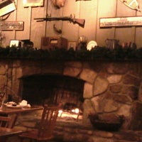 Photo taken at Cracker Barrel Old Country Store by Ken S. on 12/5/2012