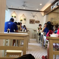 Photo taken at BreadTalk / Toast Box by Jane on 6/9/2013