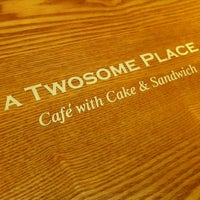 Photo taken at A TWOSOME PLACE by Duk-jae Lee b. on 4/12/2013