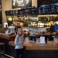 Photo taken at Beerhouse Villi Wäinö by Elena N. on 2/9/2014