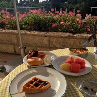 Photo taken at Inbal Hotel Jerusalem / מלון ענבל ירושלים by Monica D. on 5/23/2016