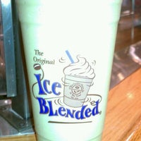 Photo taken at The Coffee Bean & Tea Leaf by Jesse S. on 11/2/2012