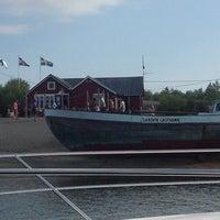 Photo taken at Sandvik Gästhamn by Harri R. on 7/10/2014