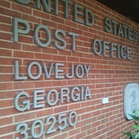 Photo taken at Hampton Post Office by Traci P. on 4/17/2013