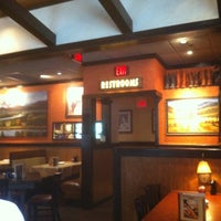 Photo taken at LongHorn Steakhouse by Camilla R. on 9/30/2012